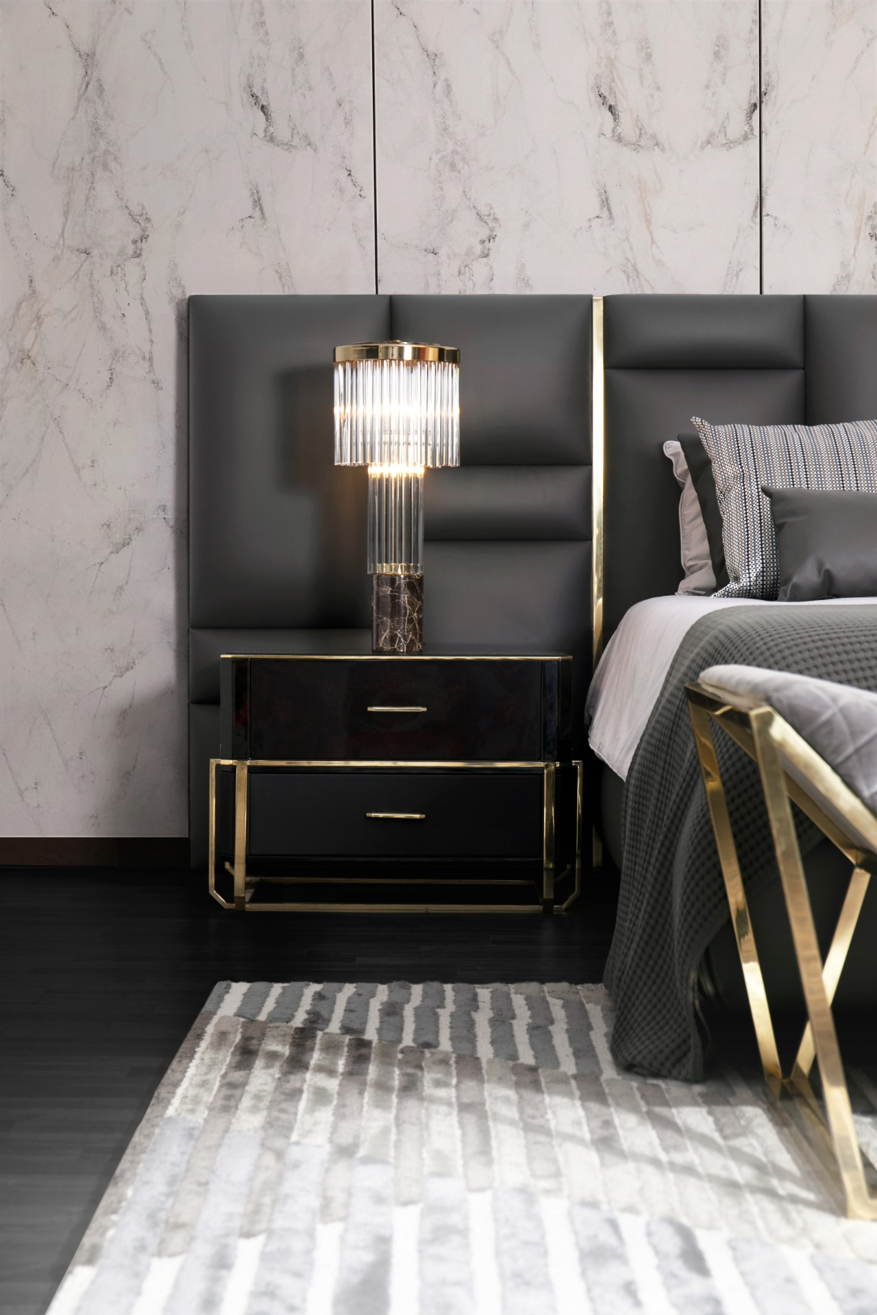 Insplosion_Dashing_and_luxurious_Bedroom_Luxxu