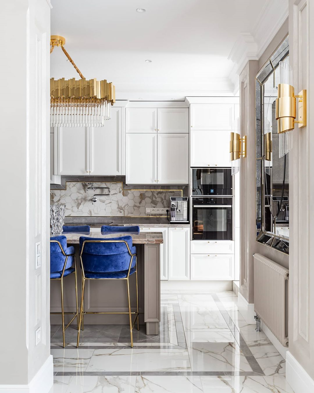 INSPLOSION_GOLD-AND-BLUE-BEAUTIFUL-KITCHEN_BY_LX