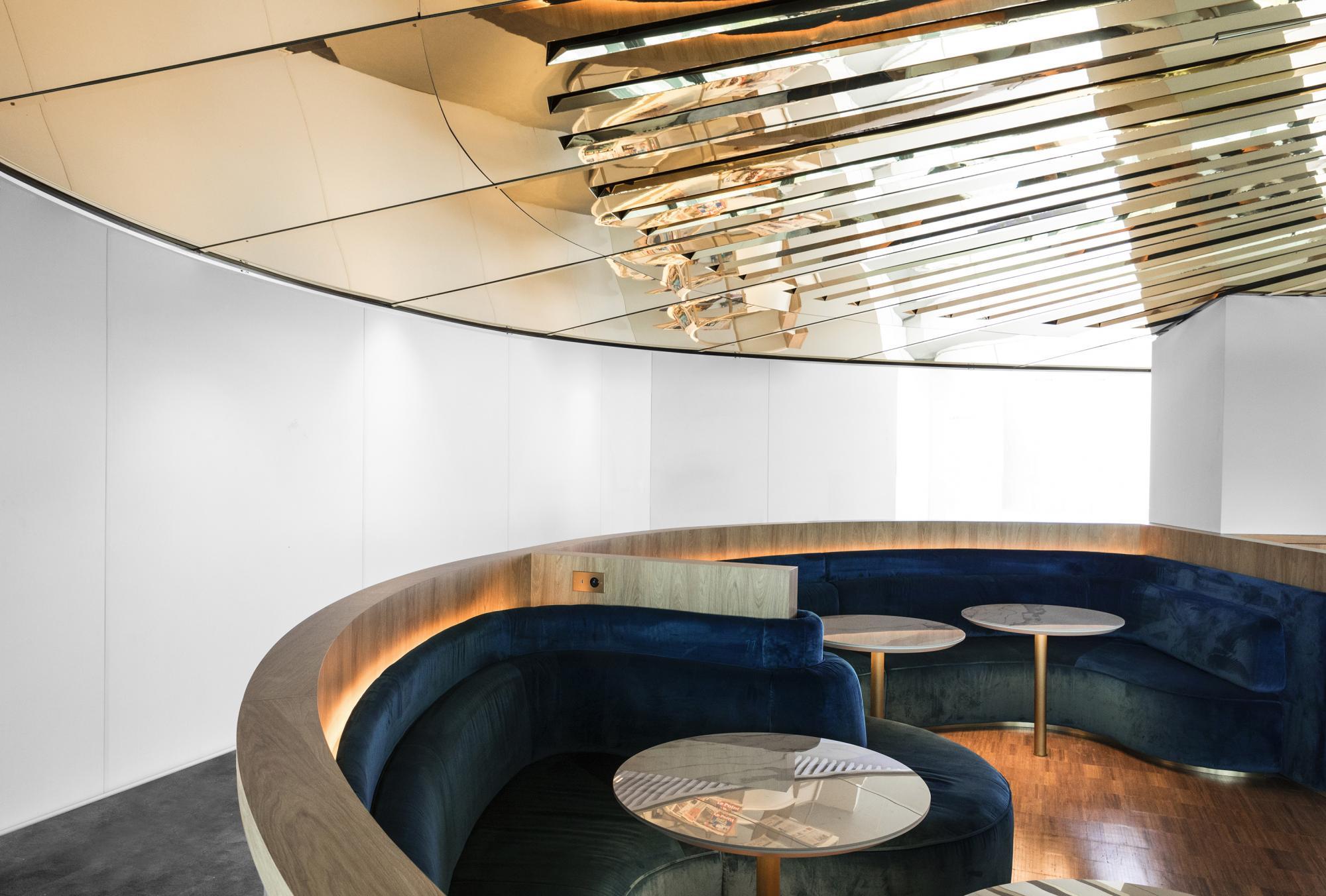 MATHIEU LEHANNEUR-Le-Balcon-Air-France-Business-Lounge