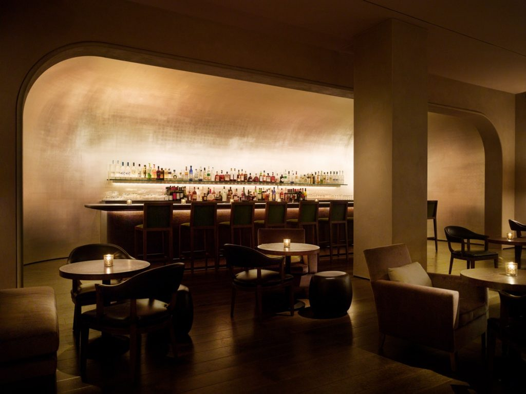 The great bar at the Pump Room Chicago, designed by Yabu Pushelberg