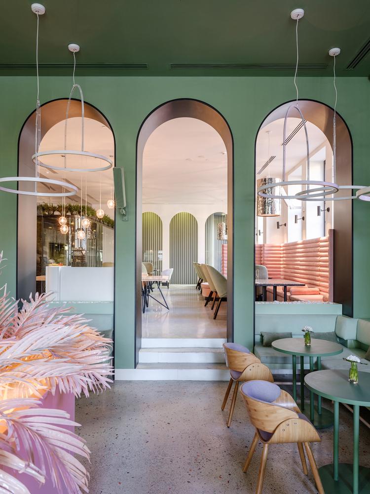 Bosfor restaurant color trend - quiet wave