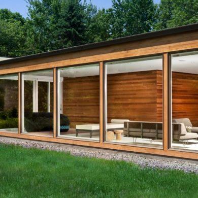 Jeff Jordan Architects Modernized A Mid-Century Home With Bay Windows